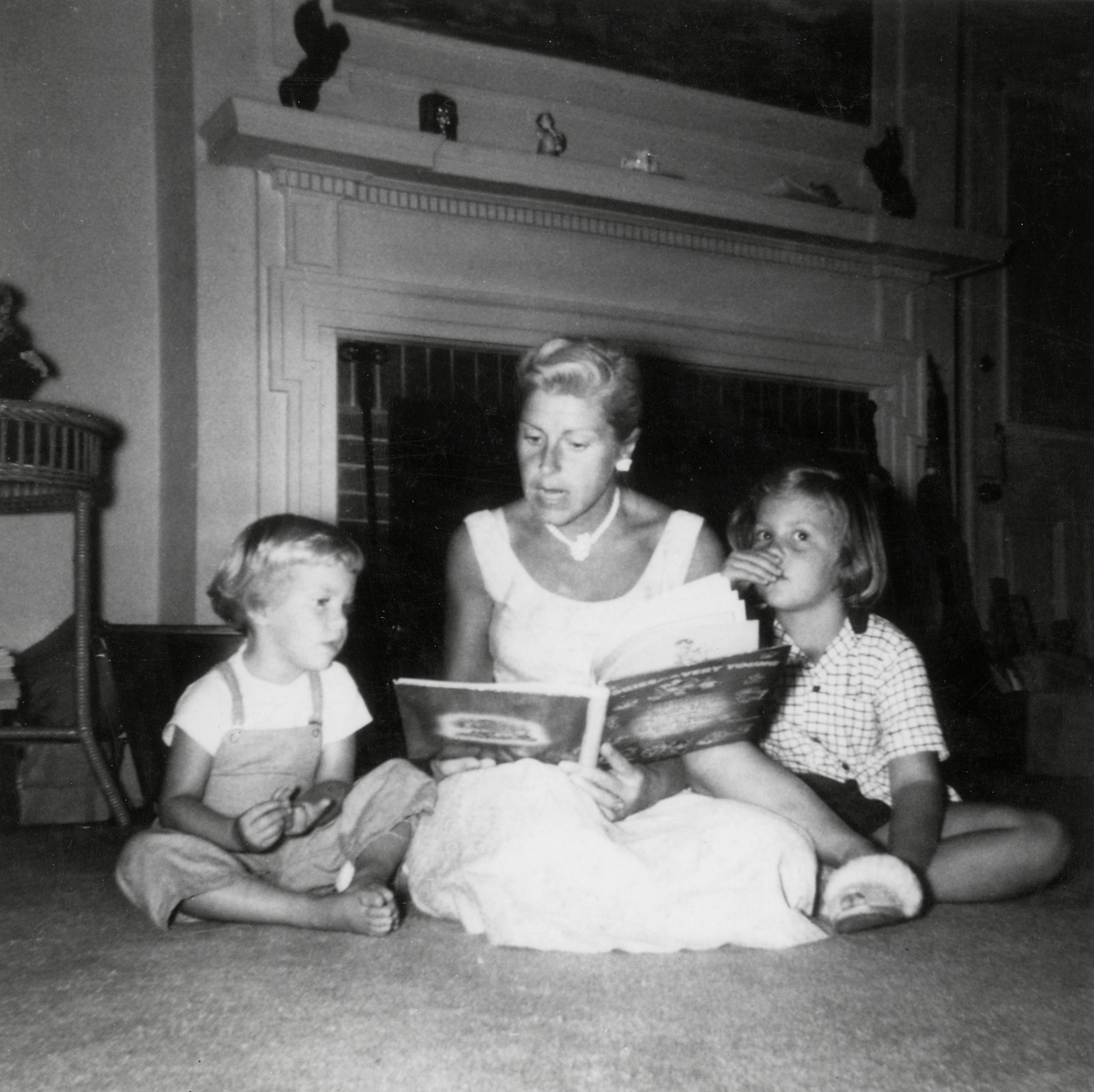 Samuel Champion Cooper's Cottage - The Larches - Marion (Rogers) Bullen reading a story to her daughters