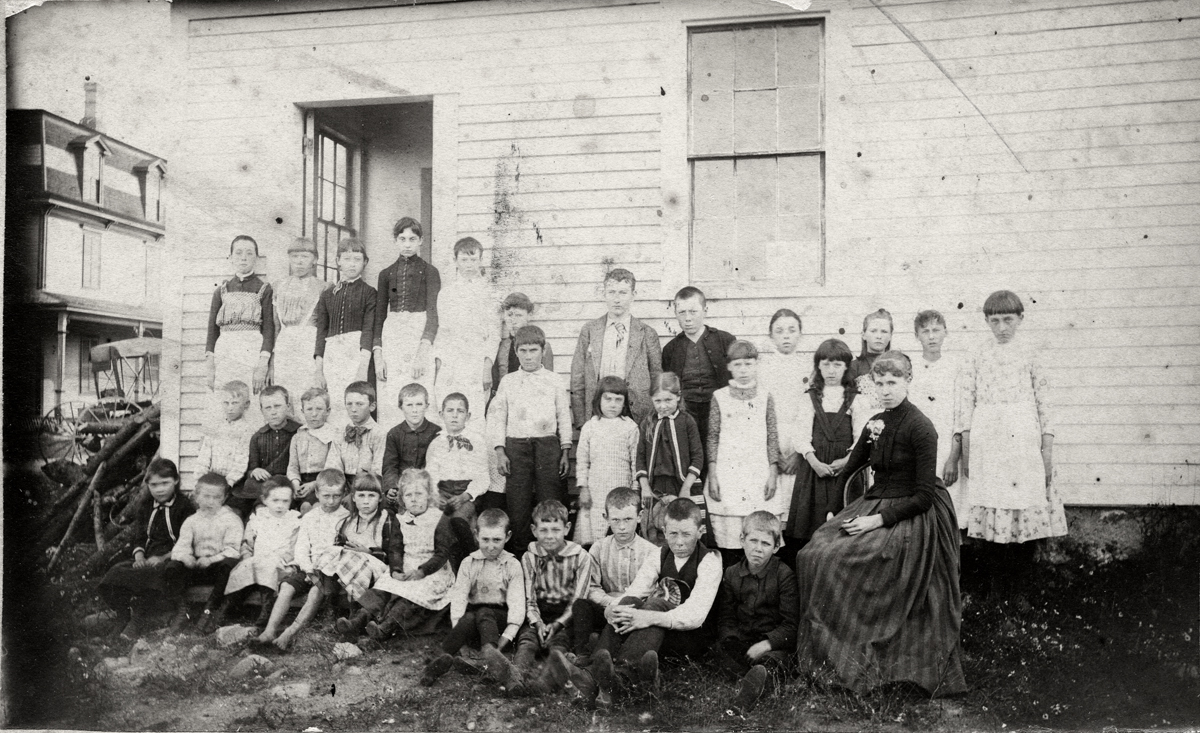 Ina Caroline Cad Robinson Lawler, Mrs. Allen Jacob Lawler and Students at Manset School