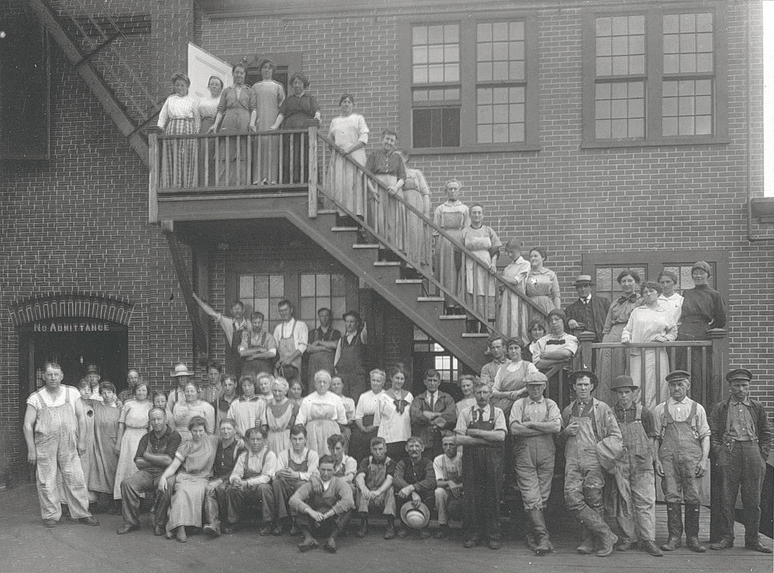 The Underwood Canning Factory Crew at McKinley