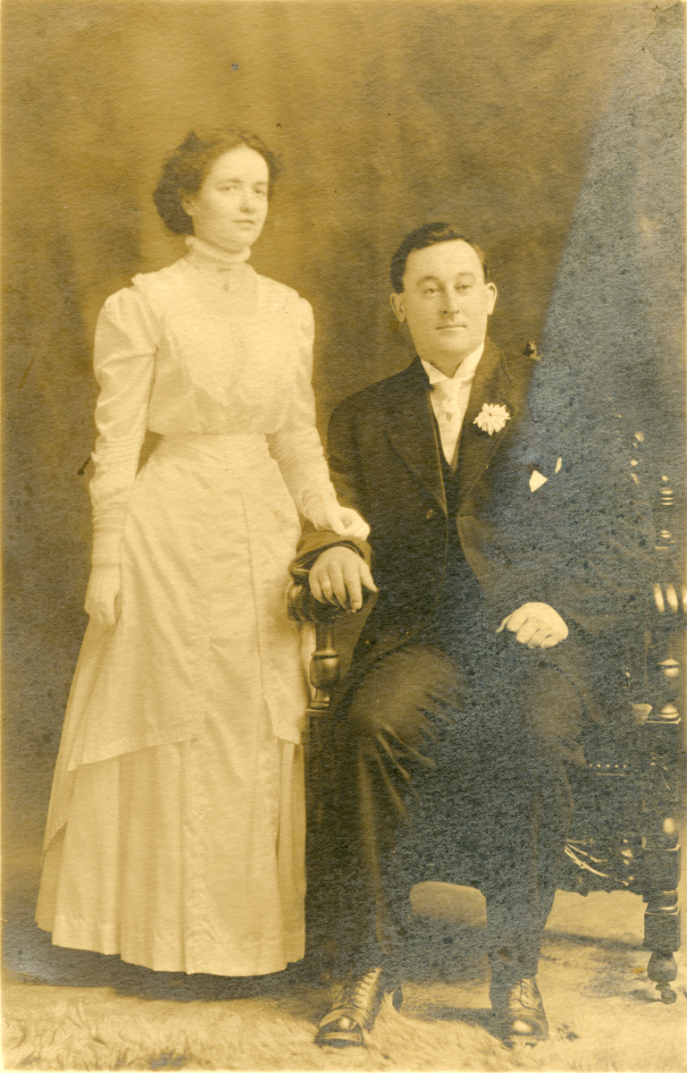 Alfred Gilley Stanley and Mabel Florence (Moore) Stanley, Mr. and Mrs. Alfred Gilley Stanley