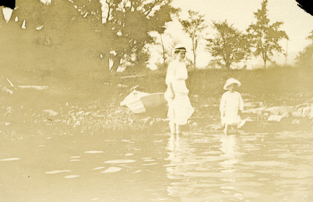 Sarah and Evelyn Wading