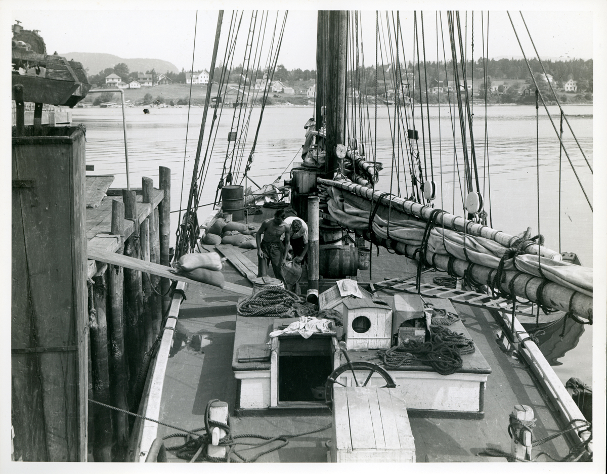 Schooner Lillian Loading Fish Meal at Addison Packing Company