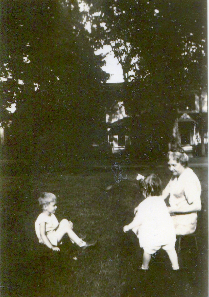 Ralph Warren Stanley, Ruth Celestia Stanley, and Celestia Gertrude (Dix) Robinson at the Adoniram Judson Robinson House