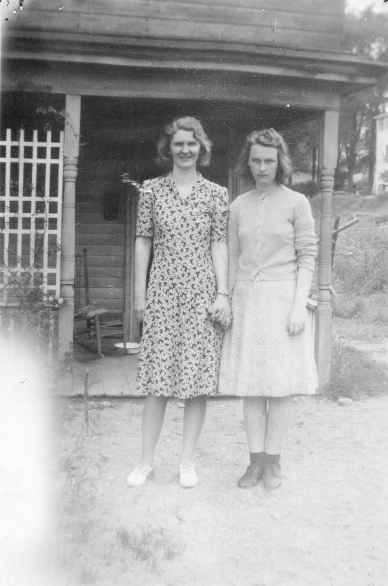 Isabel Rose Carroll and Helena Nellie Thornton Carroll