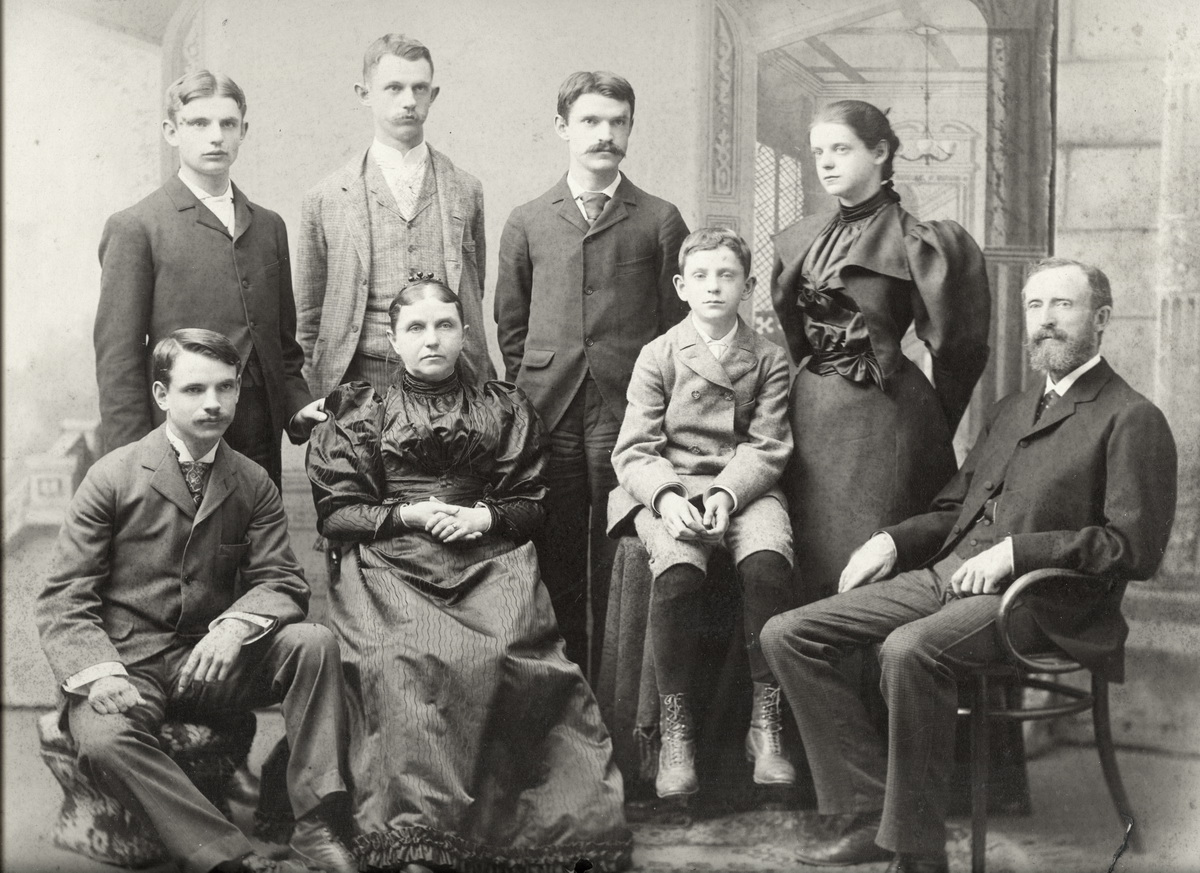 The Henry Rose Hinckley Family