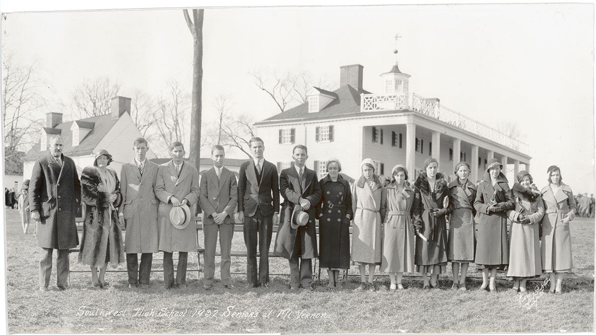 Southwest High School 1932 Seniors at Mt. Vernon