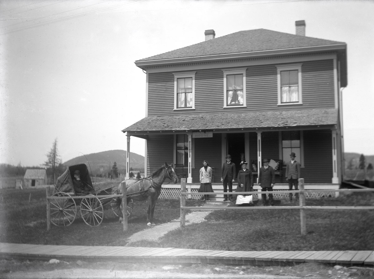 William Irving Mayo House - The Central House - Southwest Harbor