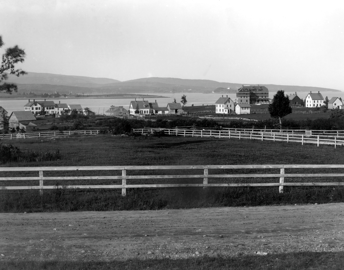 The Stanley House and Manset