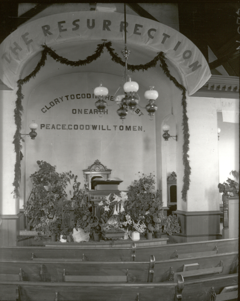 Tremont Congregational Church at Easter