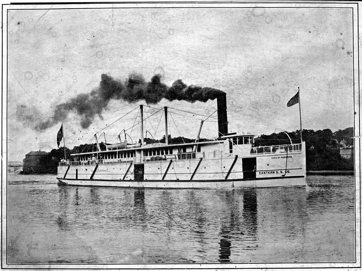 Steamer City of Augusta on the Kennebec River