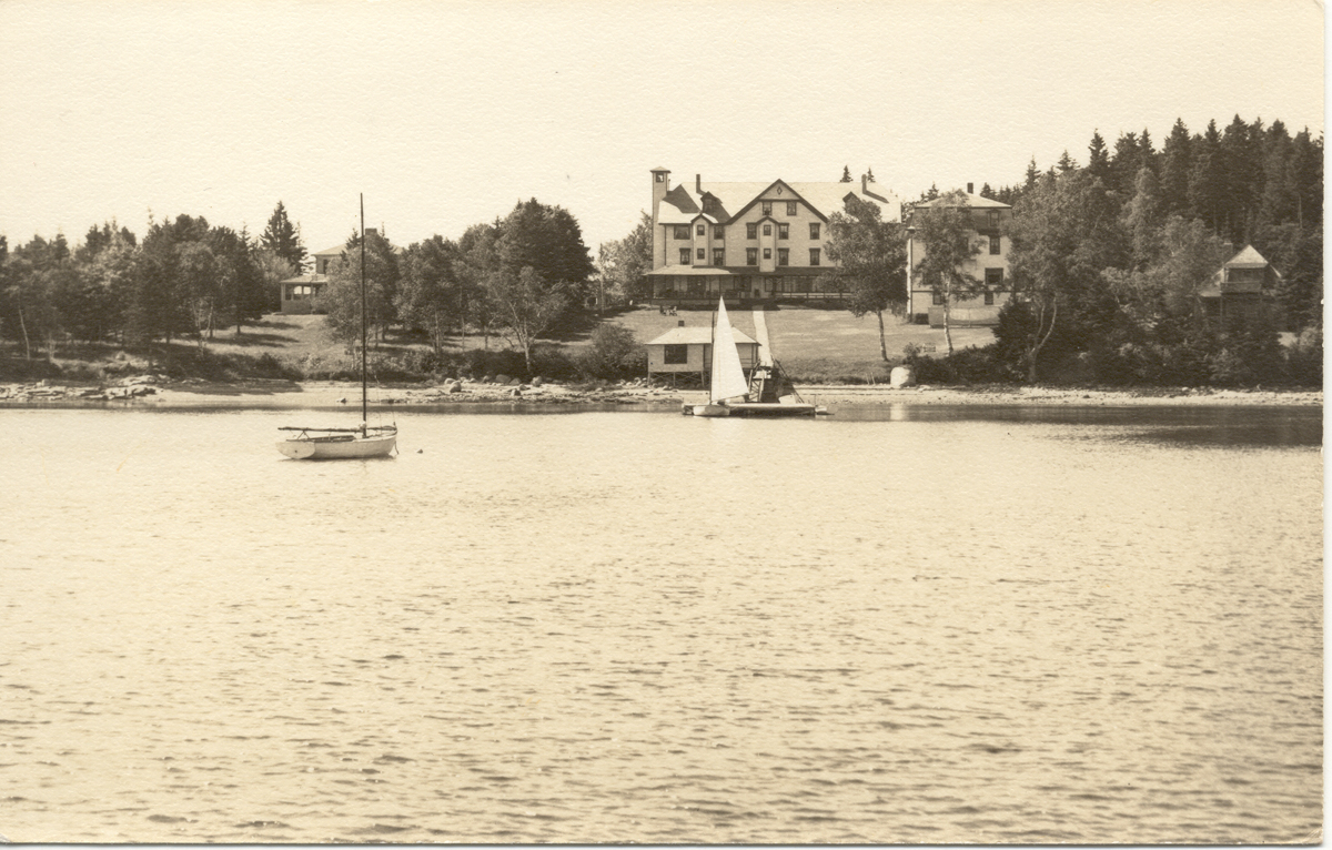 The Claremont House from the Water