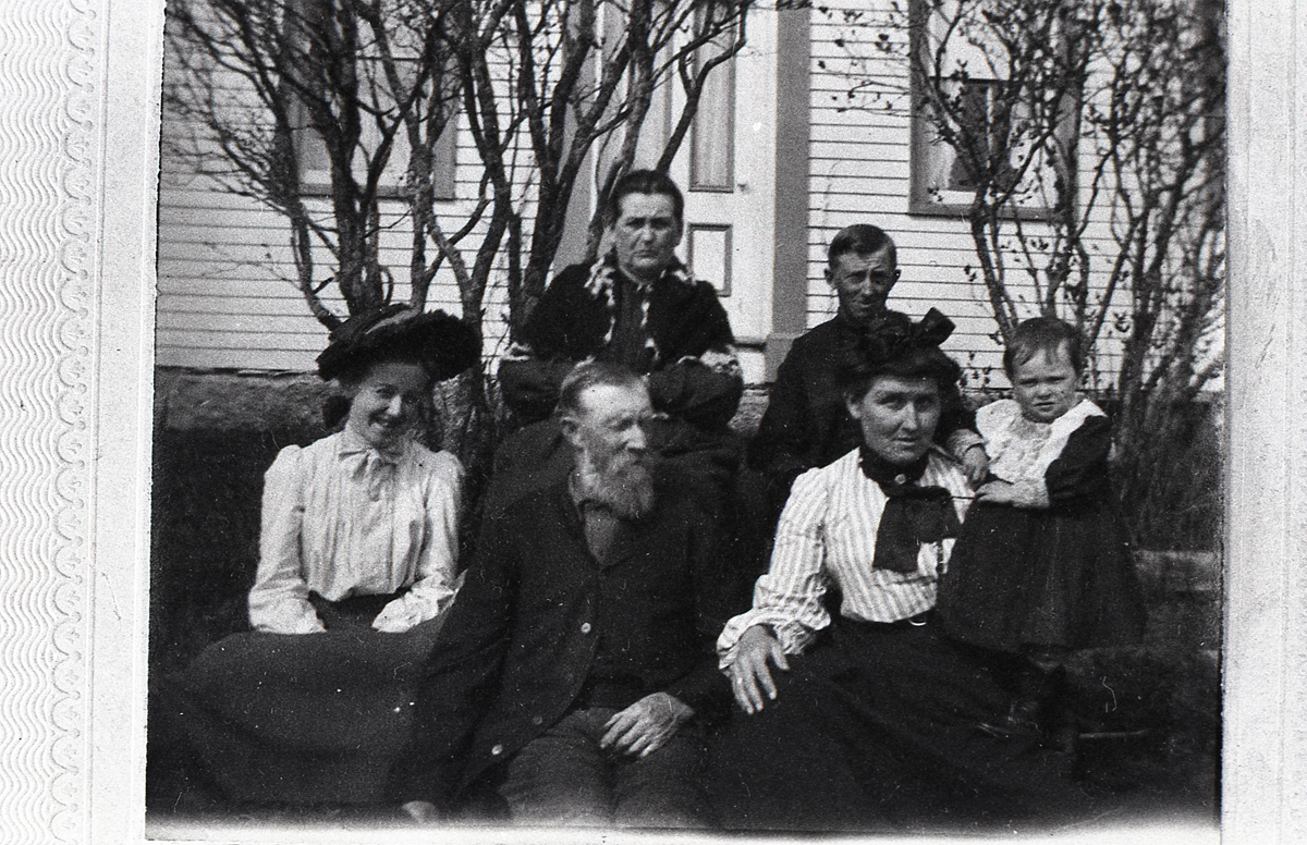 Moore Family at Enoch Newman Moore House