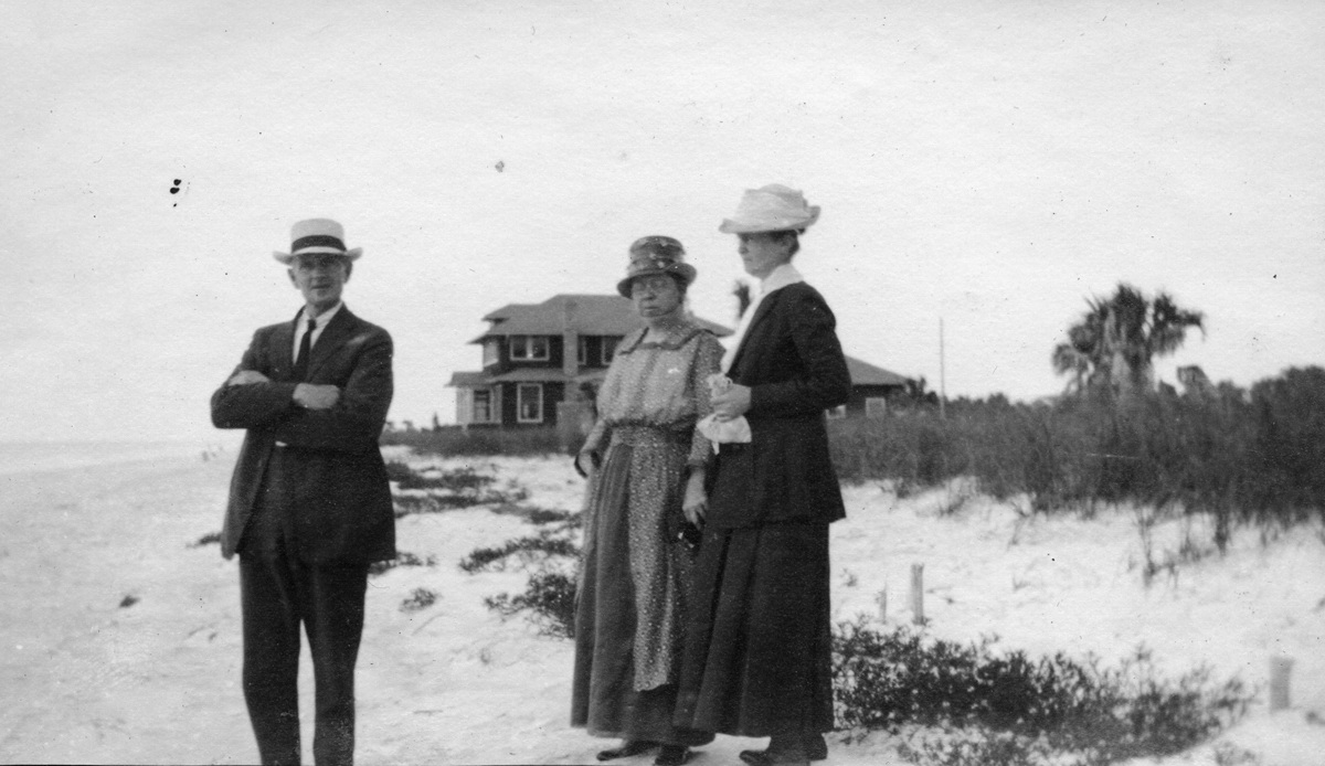 Simeon Holden Mayo - and wife - and Elvira Jane (Robinson) Mayo - with Friend on Beach in Florida