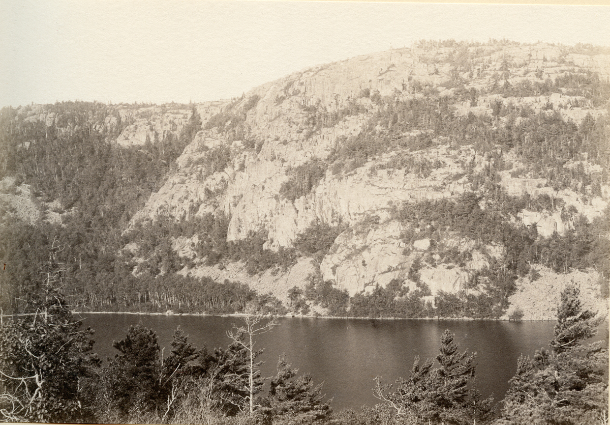 Beech Cliff and Echo Lake