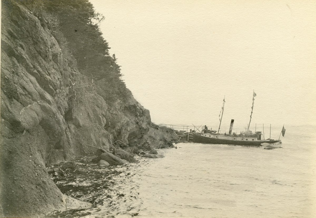 Sandstone Cliffs and Bell's Landing, Red Head