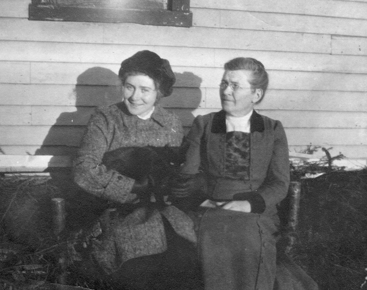 Lucy Ella Lawler Whitmore, Mrs. William Holden Whitmore,  and daughter Mary S. Whitmore