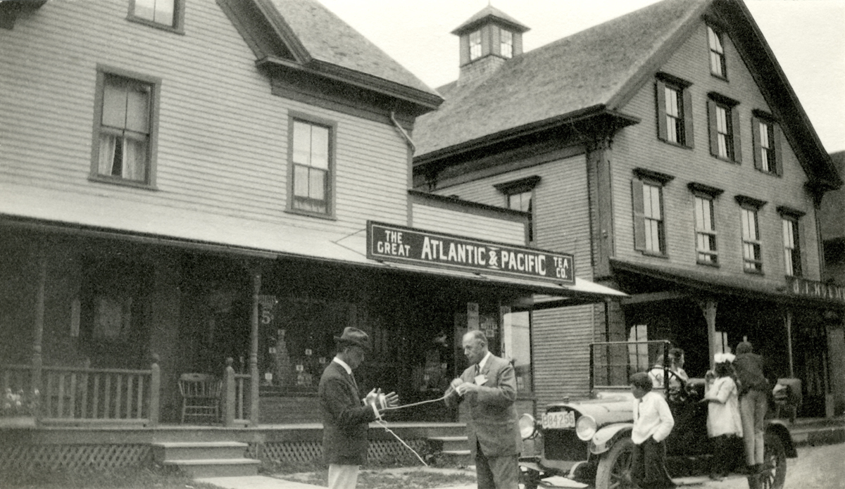 James North Stanley at the Great Atlantic and Pacific Tea Company and A.I. Holmes Stores