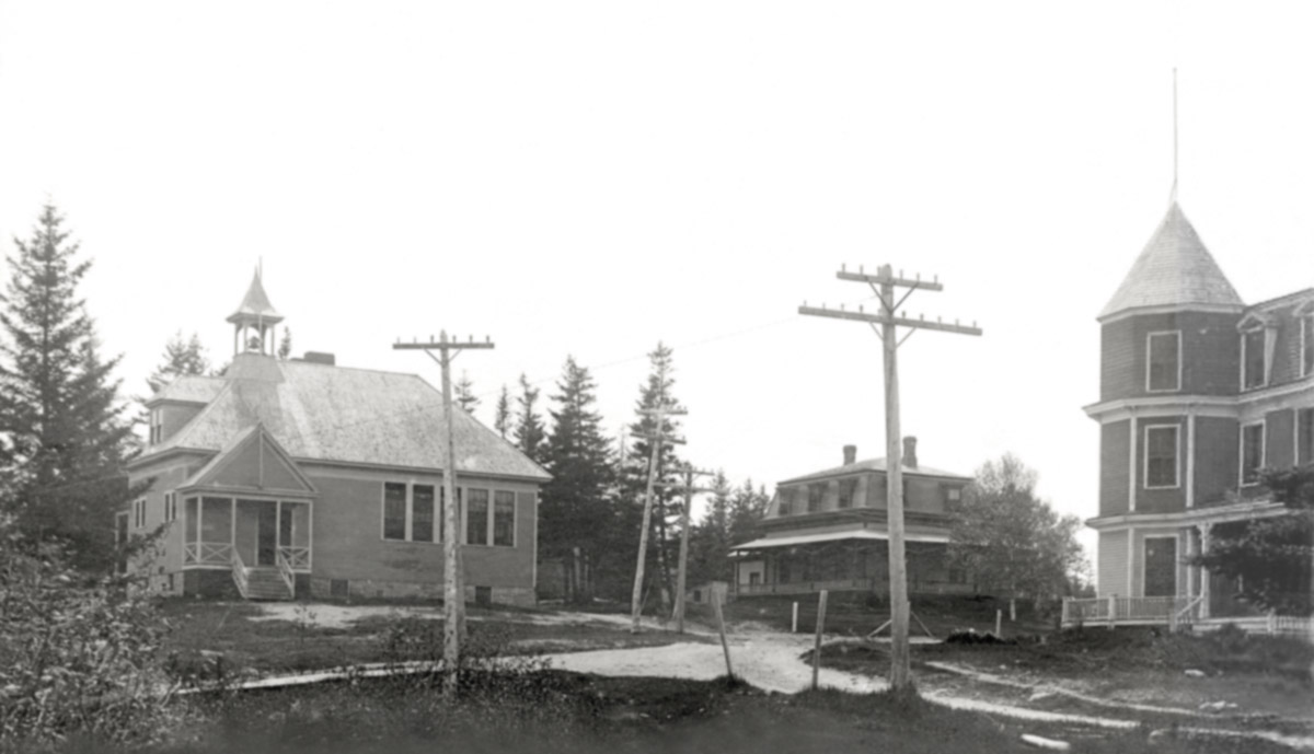 Manset School, William King House/Tremont Baptist Parsonage and the Ocean House Hotel Cottage/Anne